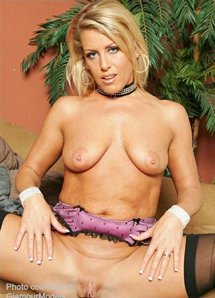 Chelsea Zinn Bodyshot