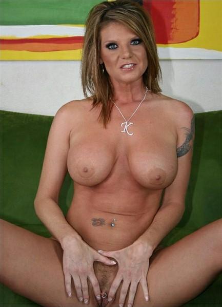 Kayla Quinn Bodyshot