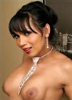 Yasmine Lee