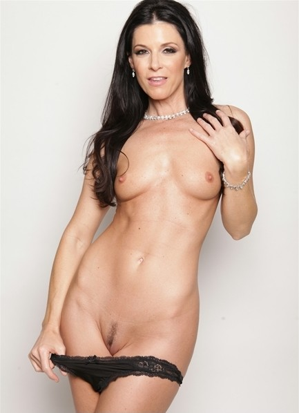 India Summer Bodyshot