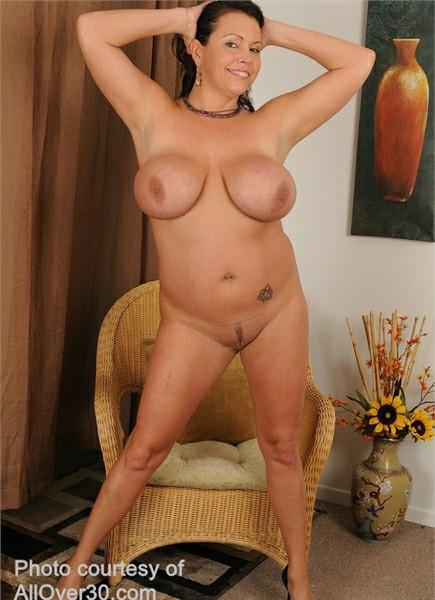 Angelica Sin Bodyshot