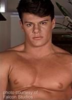 Derek Cruise Bodyshot