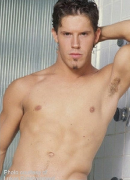 Cameron Fox Bodyshot