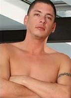 Alex Gonz Bodyshot