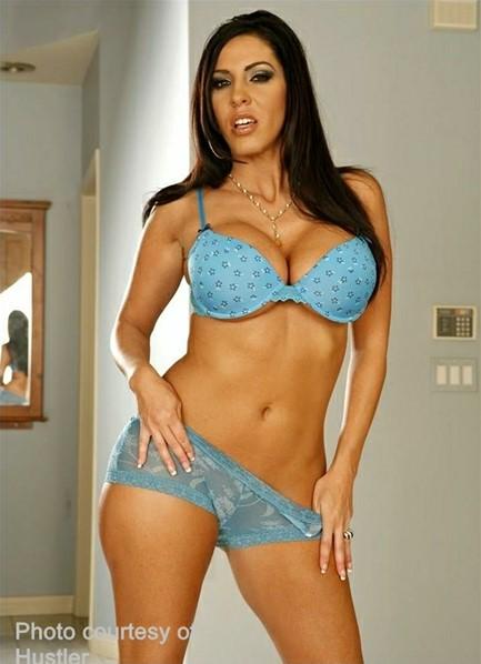 Veronica Rayne Bodyshot
