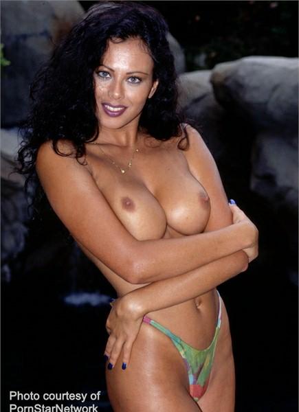 Olivia Del Rio Bodyshot