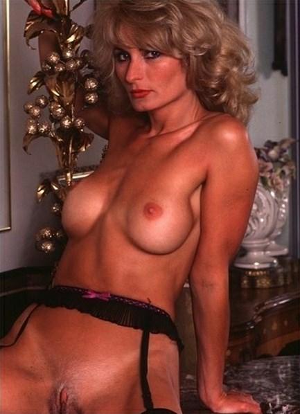 Lili Marlene Bodyshot