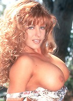 Nikki Lynn Bodyshot