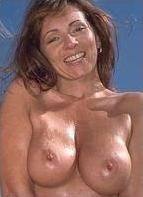 Elle Devyne Bodyshot