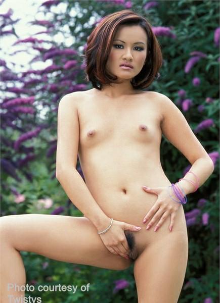 Cheryl Dynasty Bodyshot