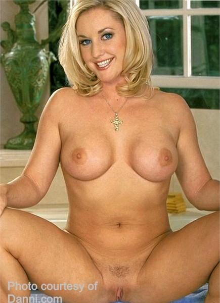 Calli Cox Bodyshot