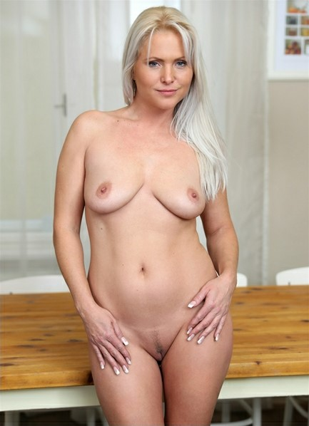 Kathy Anderson Bodyshot
