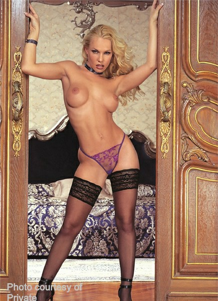 Jodie Moore Bodyshot
