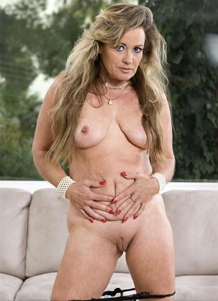 Mistress Angellica Bodyshot