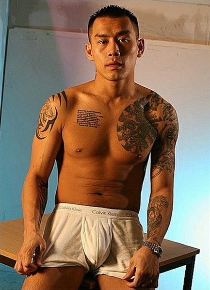 Keni Styles Bodyshot