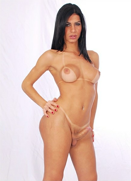 Renata Araujo Bodyshot
