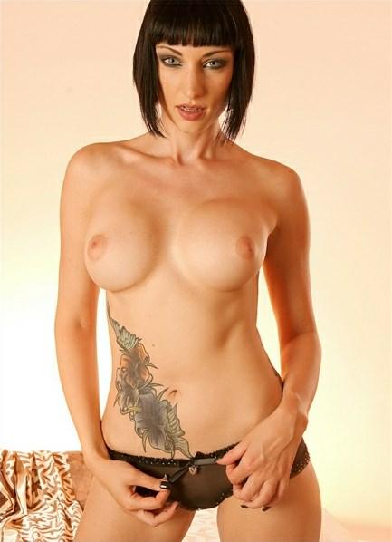 Sofia Valentine Bodyshot