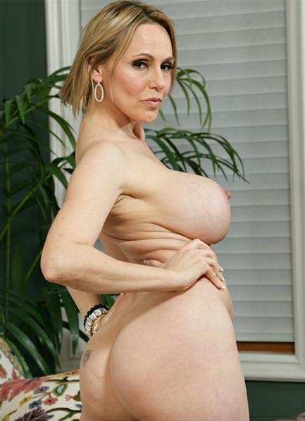 Raquel Sieb Bodyshot