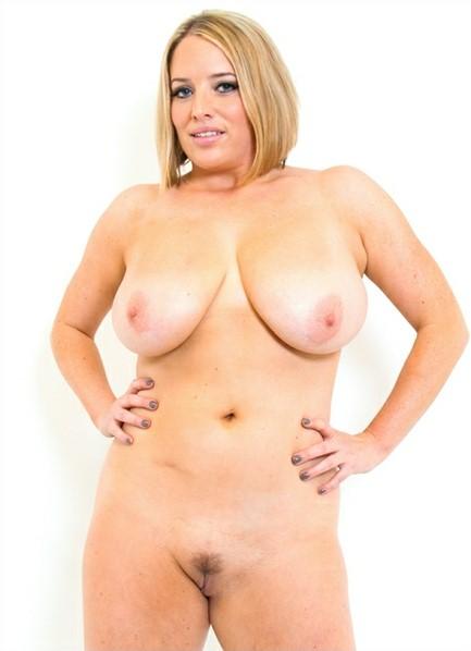 Maggie Green Bodyshot