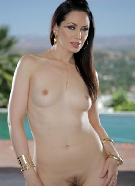 Sarah Shevon Bodyshot