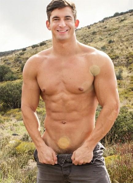 Joey (V) Bodyshot
