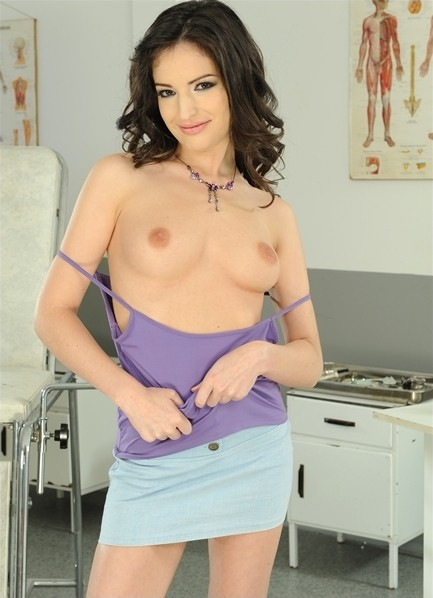 Ann Marie La Sante Bodyshot