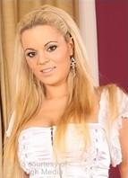 Queen Christin Bodyshot