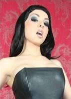 Vicky Storm Bodyshot