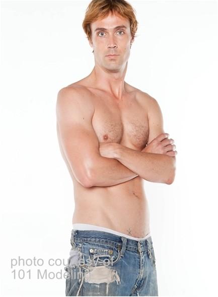 Richie Calhoun Bodyshot