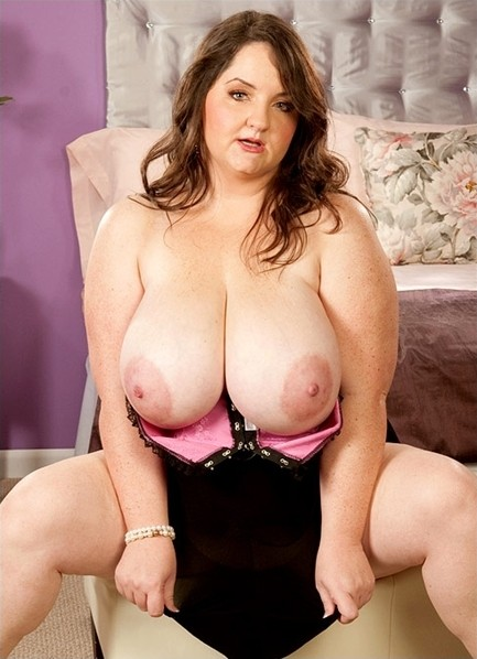 Danica Danali Bodyshot