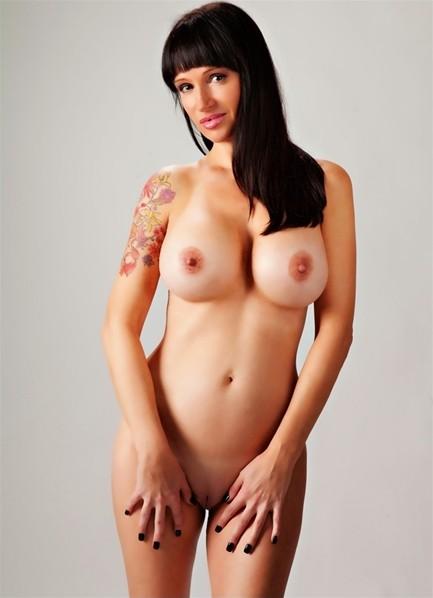 Angie Noir Bodyshot
