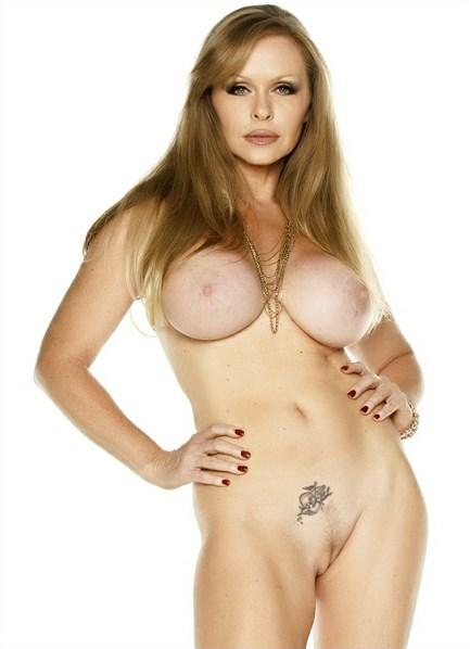 Dyanna Lauren Bodyshot