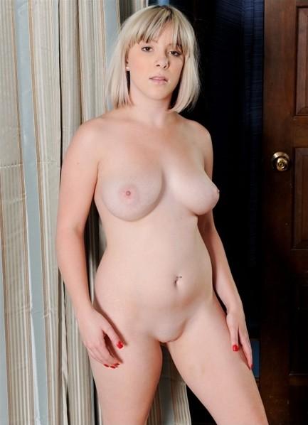 Lady Monroe Bodyshot