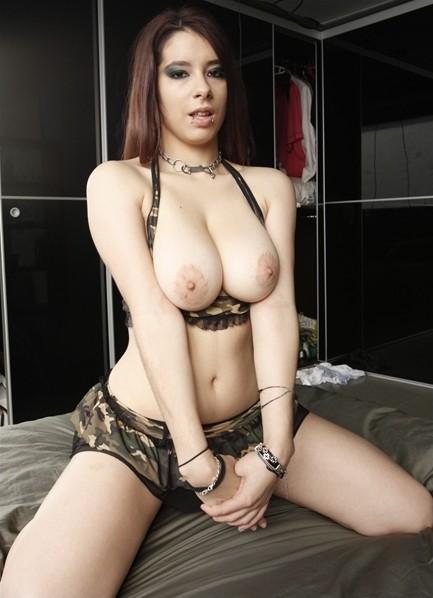 Zenda Bodyshot