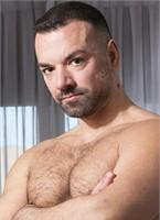Oliver Marinho Headshot