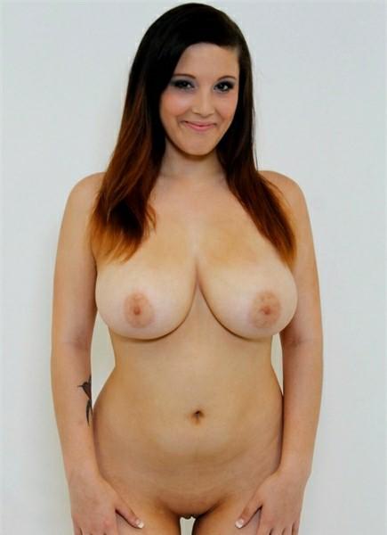 Noelle Easton Bodyshot