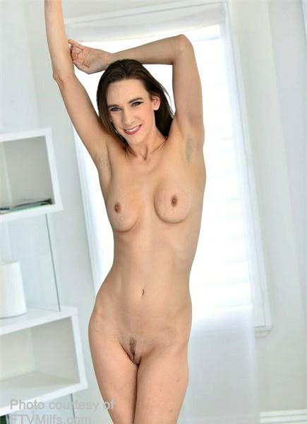 Alora Jaymes Bodyshot
