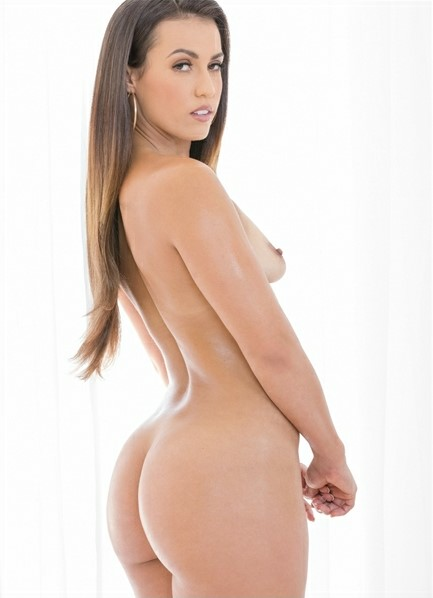 Kelsi Monroe Bodyshot