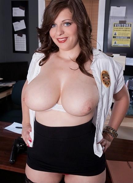 Jessica Roberts Bodyshot