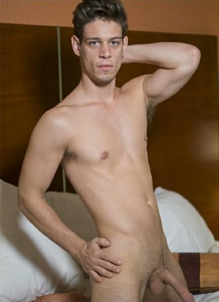 Michael DelRay Bodyshot