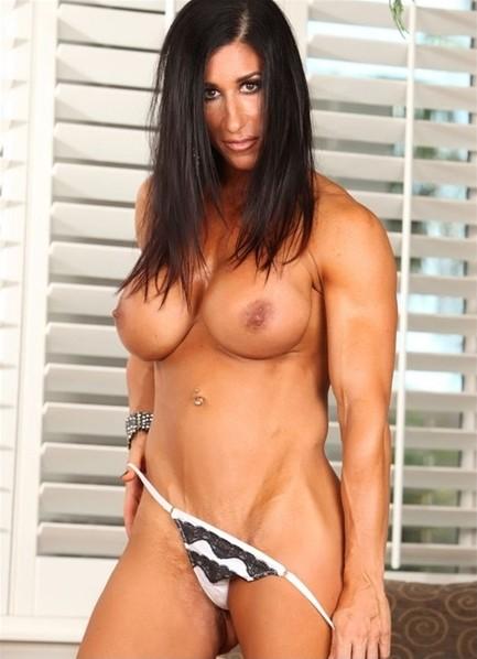 Elisa Ann Bodyshot