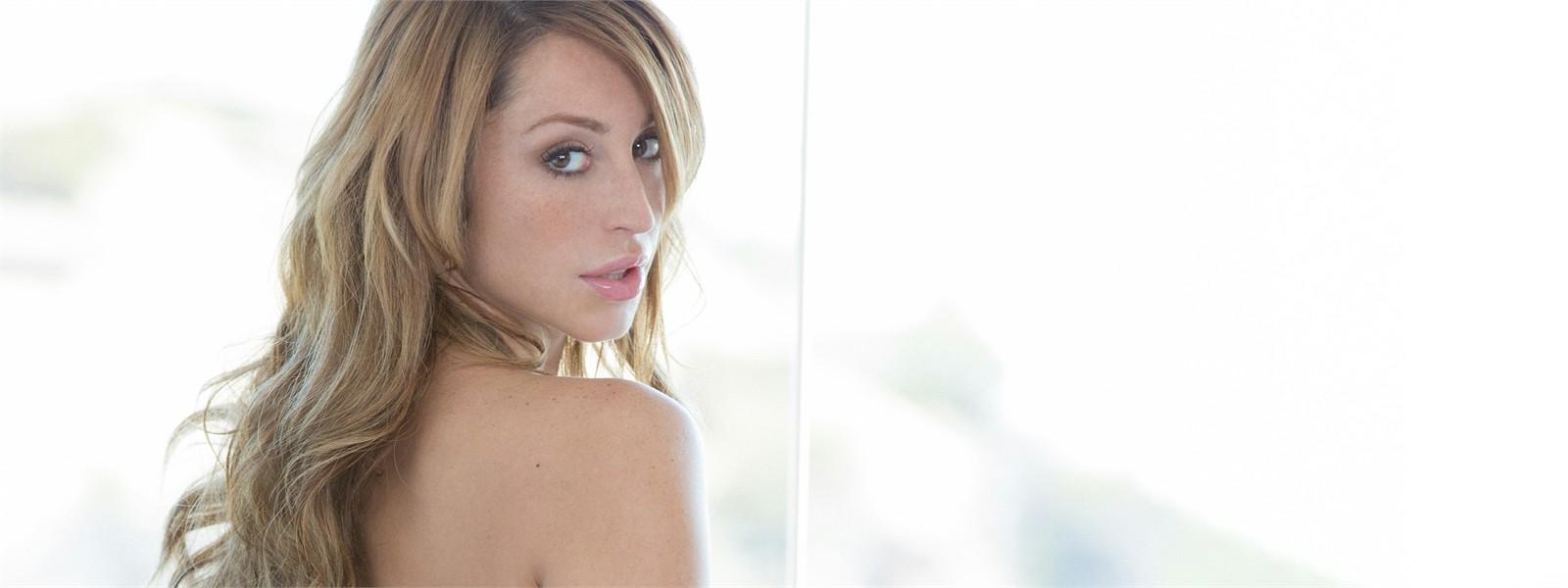 Christiana Cinn Hero Image