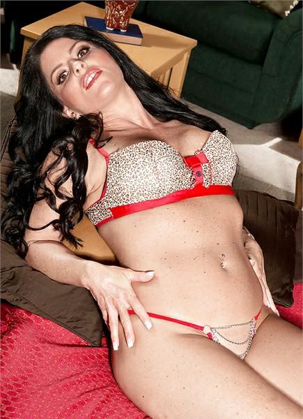 Jade Steele Bodyshot
