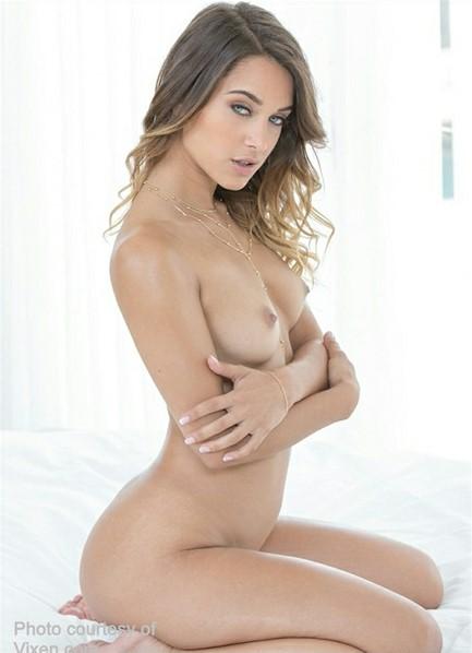 Uma Jolie Bodyshot