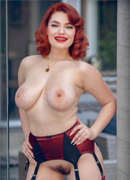 Annabel Redd Bodyshot