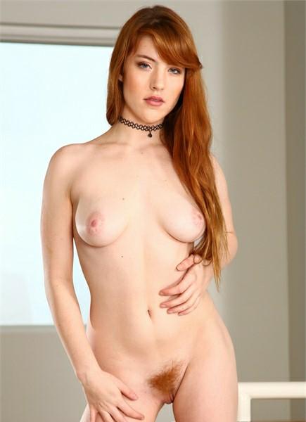 Gwen Stark Bodyshot
