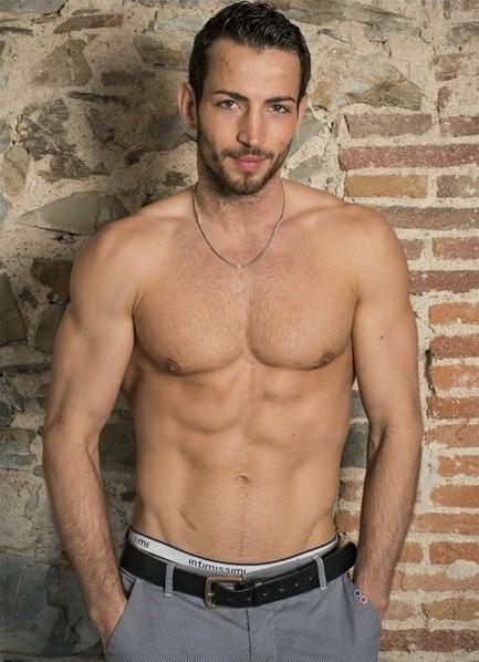 Joel Tomas Bodyshot
