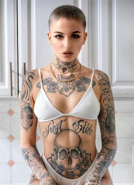 Leigh Raven Bodyshot