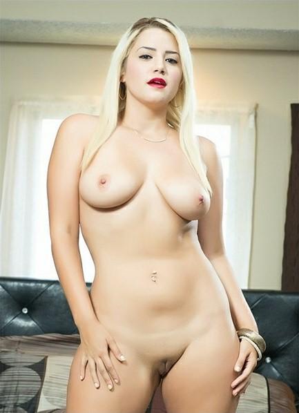 Alix Lovell Bodyshot
