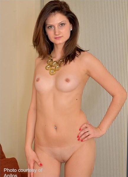 Eva Johnson Bodyshot